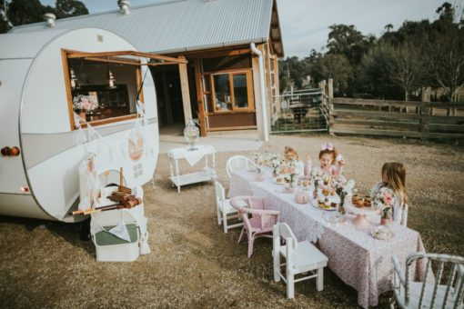 vintage caravan for hire Melbourne and surrounding regions for functions, birthdays, engagement parties and weddings
