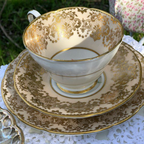 Vintage Cup Saucer Plate Set trios