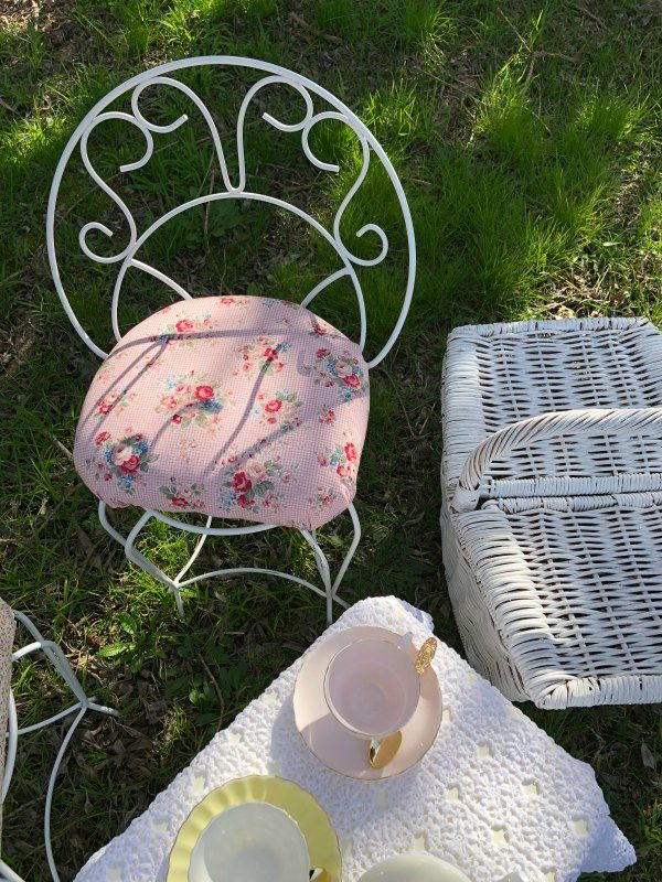 vintage chairs for hire cute white